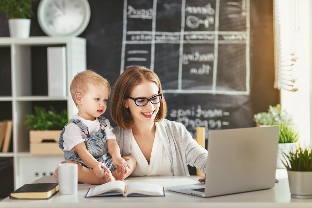 как заработать мамам в декрете