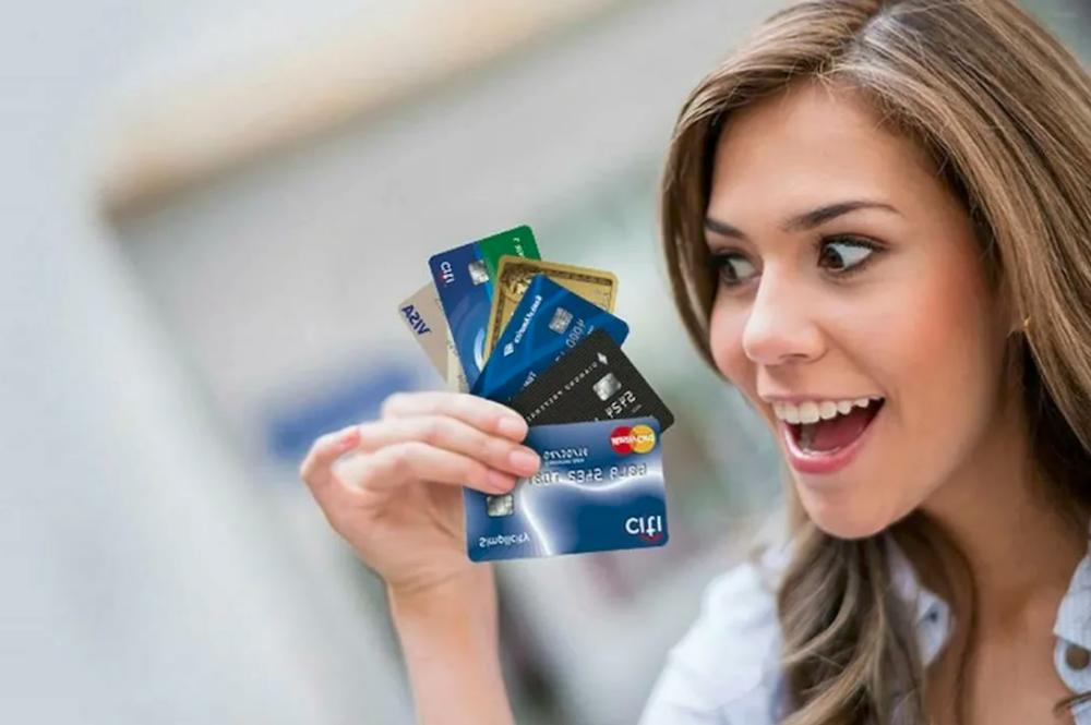 как заработать на двух кредитных картах